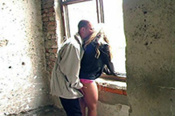 Dirty sex in an abandoned building
