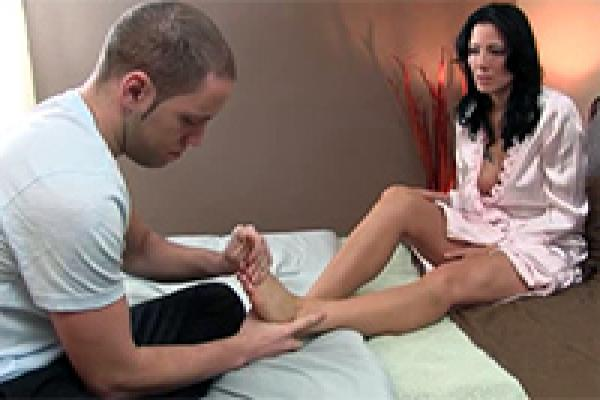 Foot massage women erotic