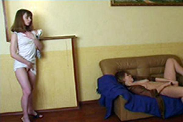 Amateur asian milf caught toying
