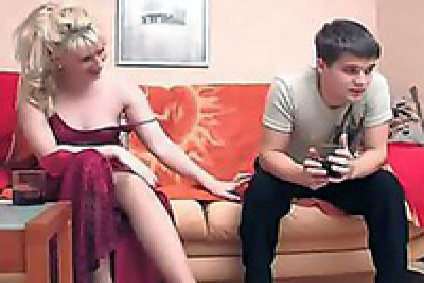 Blonde MILF with big tits gives a blowjob after consoling her daughter  732487
