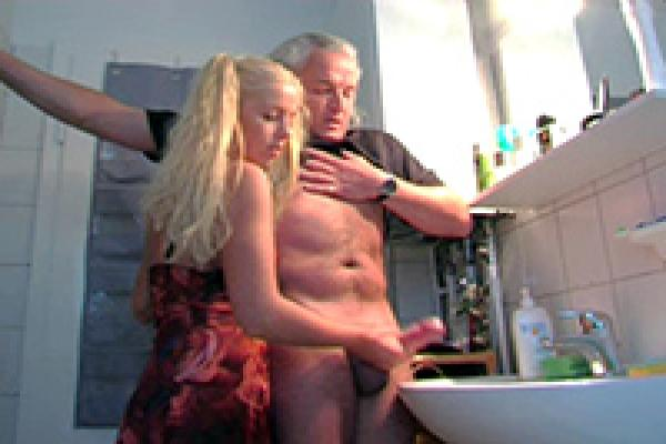 19 yo helps grandpa gave orgasm by fucking him cum swallow 3