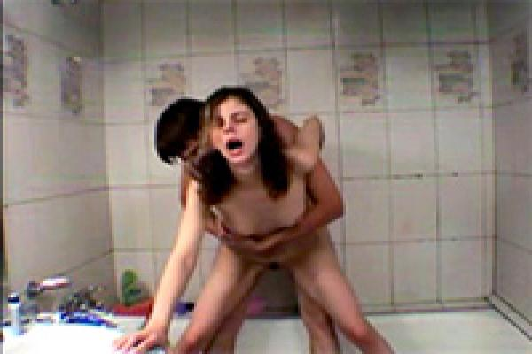 Russian Teen Couple Having Wild Sex In The Bathroom -1871