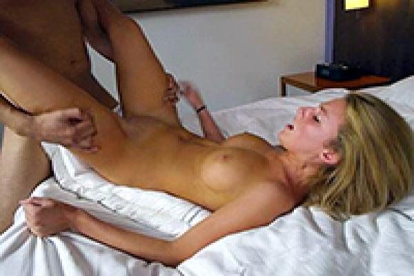 Real Amateur Teen Fucked For The First Time On Porn -4386
